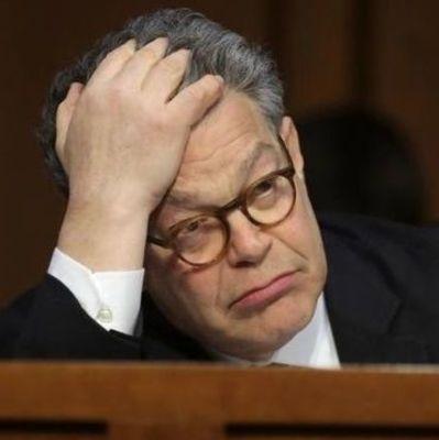 В США влиятельный сенатор сложил полномочия из-за секс-скандала (видео)