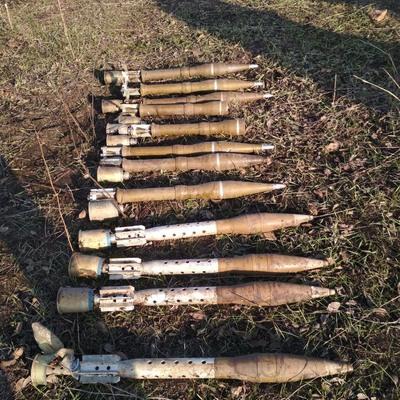 В зоне АТО украинские пограничники обнаружили схрон боеприпасов россиян