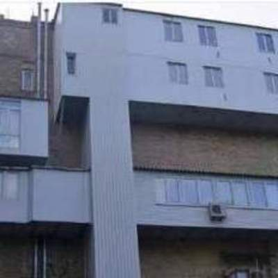 «Двухэтажный балкон» с лифтом в Киеве позабавил украинцев