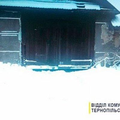 На Тернопольщине мужчина украл трактор и поехал расчищать снег на улицах