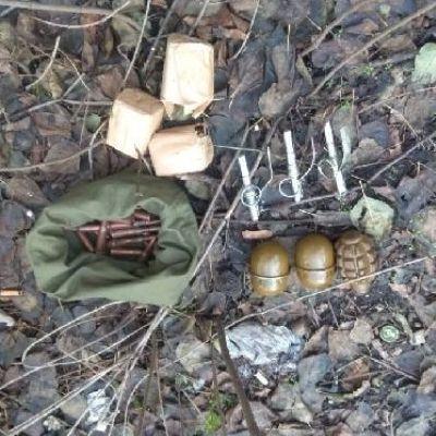 В Киеве возле многоэтажки нашли боеприпасы