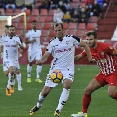 Украинского футболиста вознесли до небес в Испании