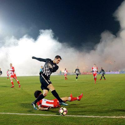 В Сербии во время матча чемпионата фанаты устроили кровавую драку