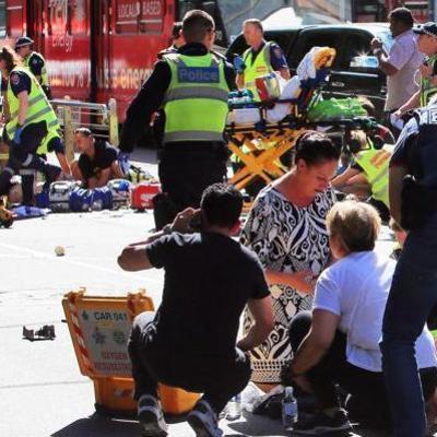 «Тела разбросаны повсюду, люди плачут»: подробности наезда авто в Мельбурне