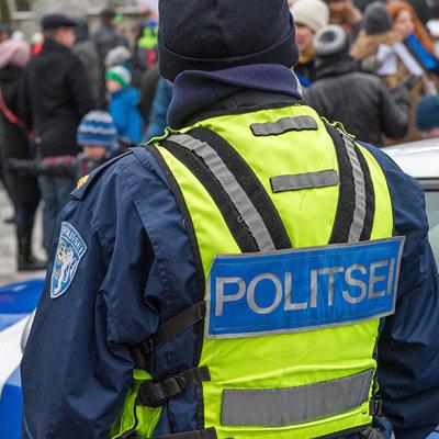 Полиция останавливает нарушителя в Эстонии: можно пересматривать бесконечно (видео)
