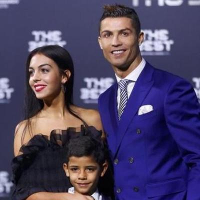 Роналду поделился трогательным фото с детьми