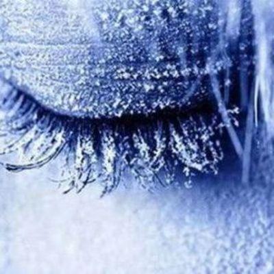 Целую семью заморозят в жидком азоте в США