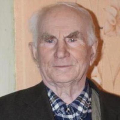 Благородный поступок: на Донбассе пенсионер подарил квартиру сироте