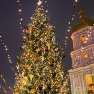 Опубликовали программу мероприятий в новогоднюю ночь на Софийской площади