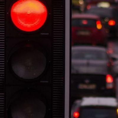 Изменения в ПДД: с 1 января украинцы начинают ездить с европейской скоростью