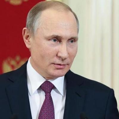 Даже россиян взбесило новогоднее поздравление Путина