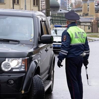 В Киеве инженер службы спецсвязи ограбил водителя иномарки