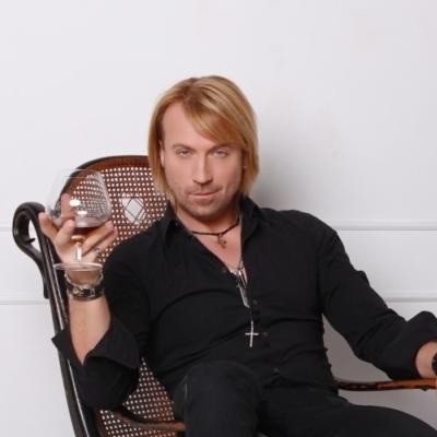 Олег Винник признался, что является самым дорогим артистом в стране