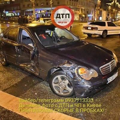 В Киеве Mercedes на польских номерах спровоцировал тройное ДТП