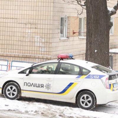 На Киевщине мать бросила троих малолетних детей на пьяного сожителя