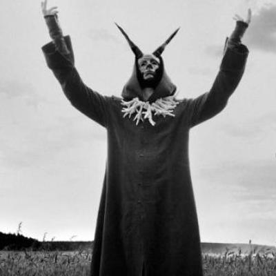 Влюбленная пара сатанистов отметила Новый год суицидом