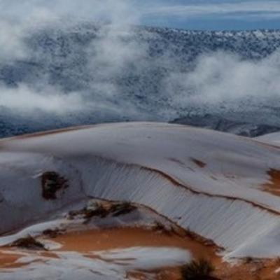 Даже в пустыне Сахара выпал снег, завидуем молча