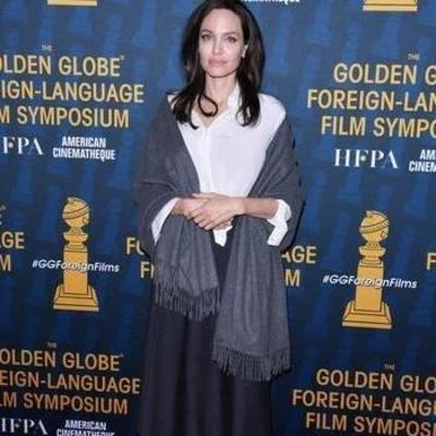 Анджелина Джоли носит бабушкин гардероб