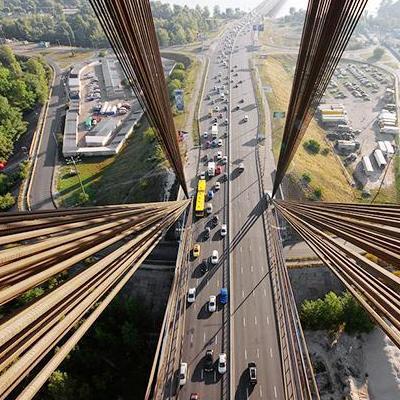 В Киеве 12 января ограничат движение транспорта тремя мостами
