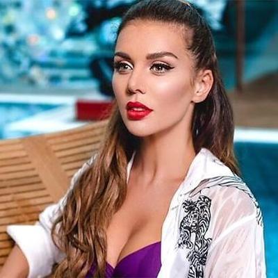 Украинская певица отправила дочь в московскую школу