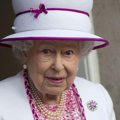 Елизавета II сменила поставщика нижнего белья из-за скандальных мемуаров