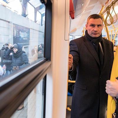 Кличко лично испытал один из новых трамваев PESA, что Киев закупил в конце 2017