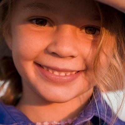 В Австралии из-за издевательств в интернете 14-летняя модель наложила на себя руки