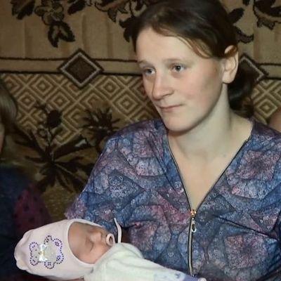 На Виннитчине 23-летняя женщина родила дома младенца, потому что скорая не приехала забрать ее в роддом