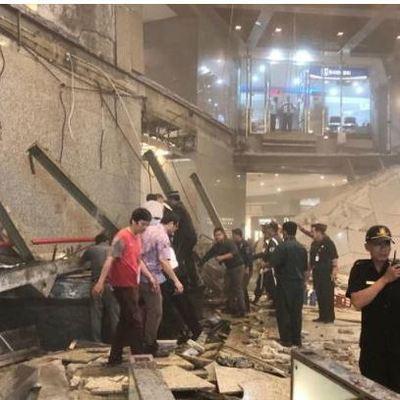 В здании фондовой биржи Индонезии рухнул балкон с десятками людей (фото, видео)