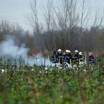 Над Германией в небе столкнулись самолет и вертолет, есть погибшие