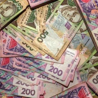 В одном из столичных банков задержали человека с поддельными 300 тыс. гривен