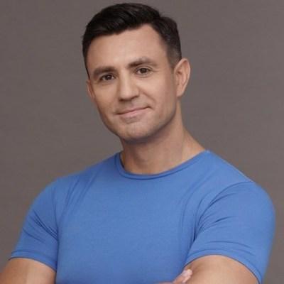 Николай Тищенко разделся ради поклонниц (фото)
