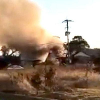 В Японии военный вертолет рухнул на жилой квартал, двое погибших