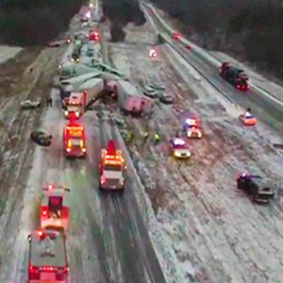Масштабная авария: в США на трассе столкнулись 70 авто