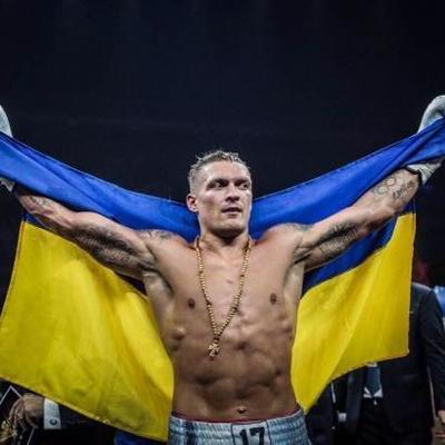 Усик вошел в топ-10 лучших боксеров мира по версии World Boxing News