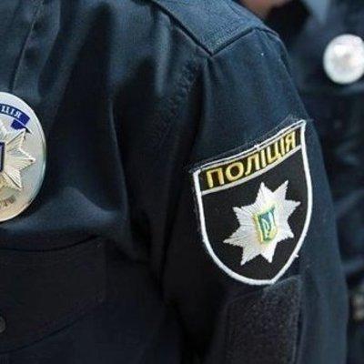 В Запорожье пьяный мужчина угрожал взорвать гранату на улице