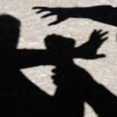 В Ужгороде неадекват нападает на женщин и детей