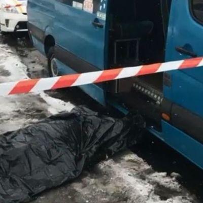В Киеве на остановке зарезали мужчину из-за очереди на маршрутку