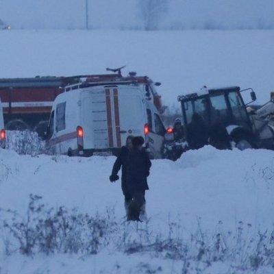 Под Москвой в результате падения самолета погибли все пассажиры и члены экипажа