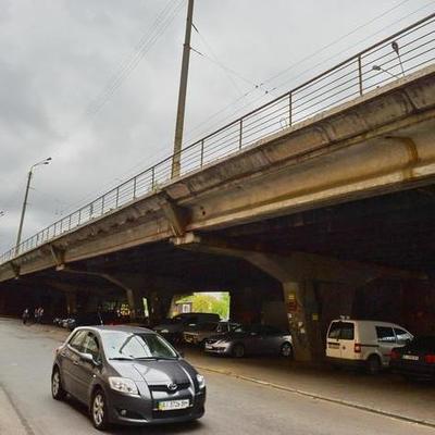 Сегодня в Киеве перекроют движение транспорта на Шулявском мосту (график)