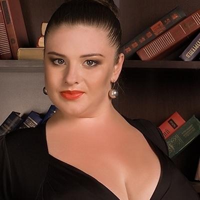Девушка с самой большой грудью попала в популярное шоу