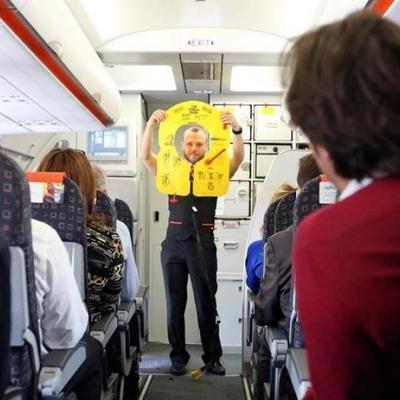 Самый страшный полет: самолет начал разваливаться на глазах пассажиров