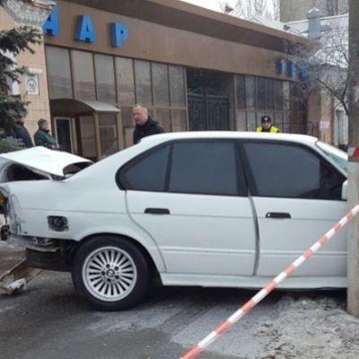 В Киеве водитель насмерть сбил женщину на тротуаре