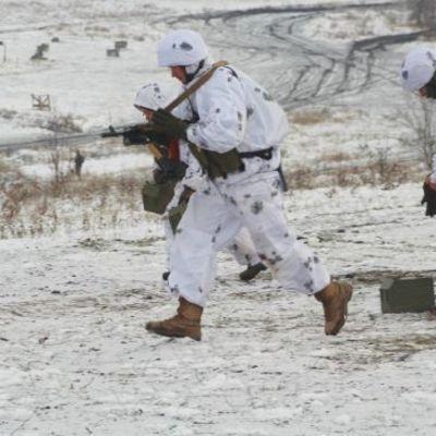 В зоне АТО во время обстрелов боевиков погиб украинский боец