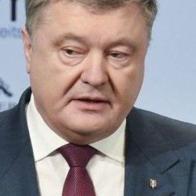 Порошенко призвал мир надавить на РФ