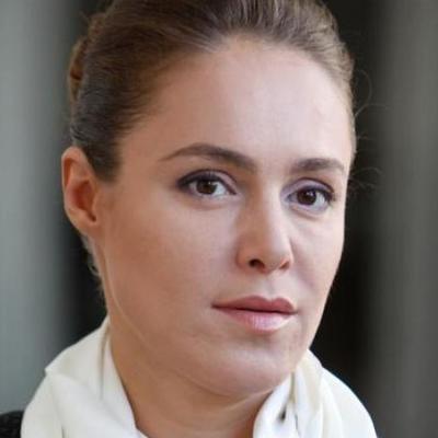 Наталья Королевская заявила о бедности в брендовой кепке за бешеные деньги