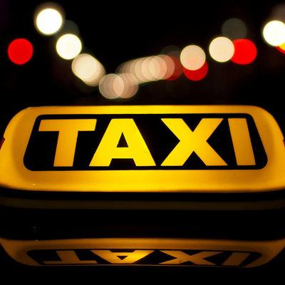 Киевлянин стал таксистом и продал рабочий автомобиль за 800 у.е.