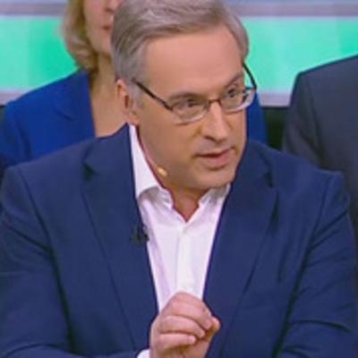 Драка в прямом эфире: российский ведущий с кулаками набросился на «украинского эксперта»