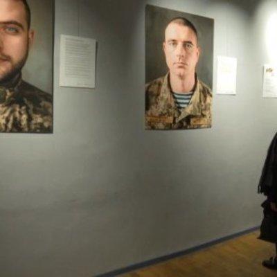 В Киеве открыли фотовыставку воинов АТО