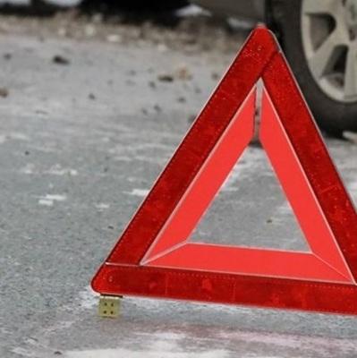 На трассе под Киевом грузовик раскатал по асфальту мужчину